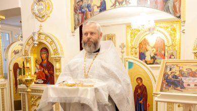 Photo of Владыка Иоанн поздравил Секретаря епархиального управления с днем Ангела